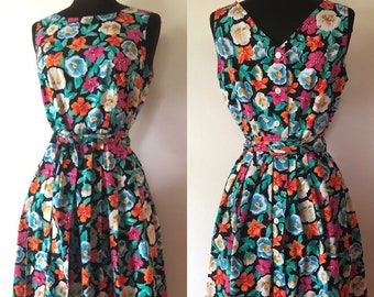 bccbf772f90 Vintage 80 s does 50 s floral fit and flare cotton Talbots dress with  pockets size 8