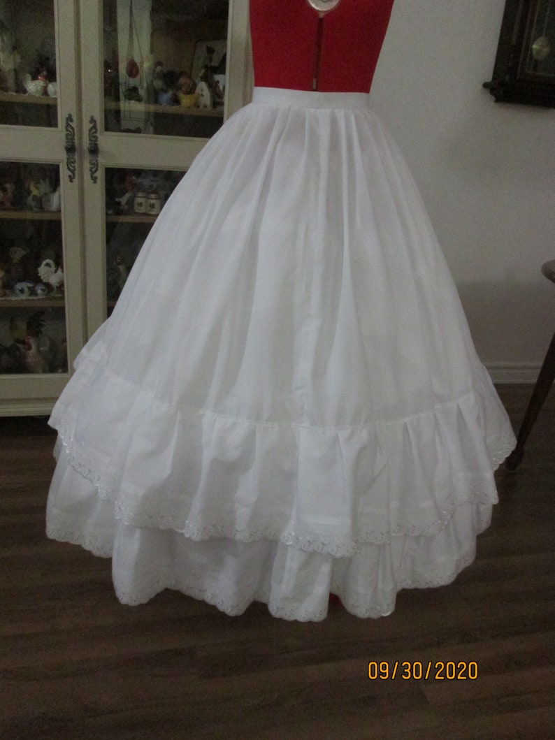 Victorian Lingerie – Underwear, Petticoat, Bloomers, Chemise Civil War Petticoat (Size Small) #NB-137 $85.00 AT vintagedancer.com