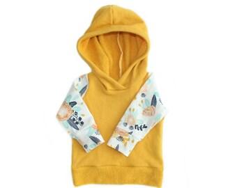 hoodie in floral + mustard