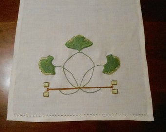 Arts and Crafts Mission Style, Craftsman Home Decor, Hand Embroidery, Gingko Table Runner