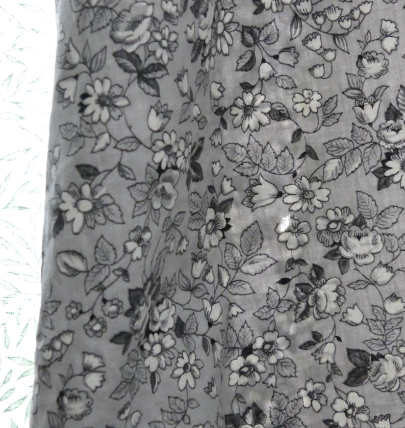 Large  Tall Beautiful Black White and Gray Floral Vintage  Antique Cotton Broadcloth Day Dress