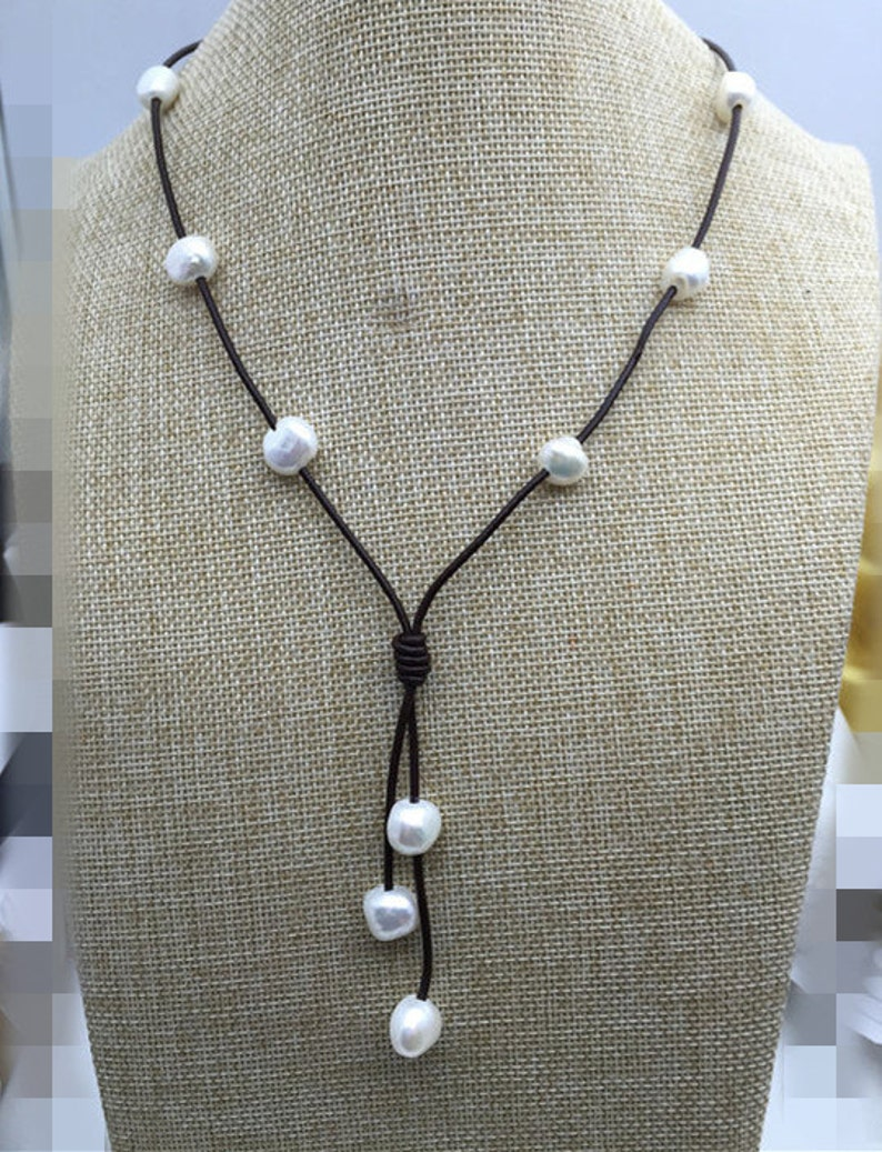 e07258c5bce5 Collar cuero perla Barroca perla y collar de lazo de cuero