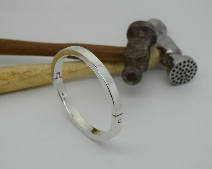 Bangle - Heavyweight Hinged Solid Silver - Handmade Douglas Hughes Design