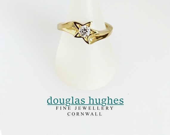Gold Star Ring - Handmade Douglas Hughes Design