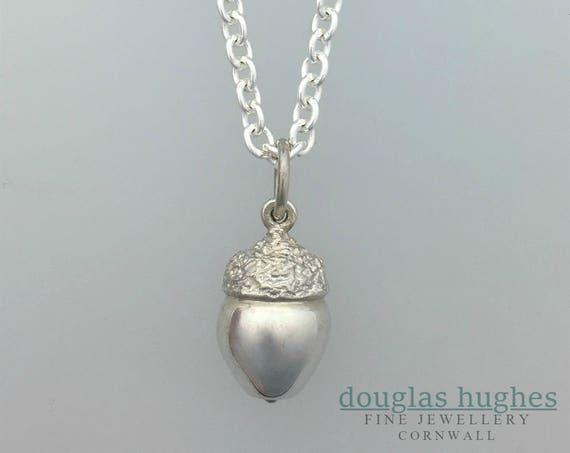 Acorn Pendant - Solid - Silver