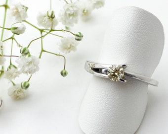 36pt Primrose Tint Diamond Set In Three Prong 9ct White Gold - Handmade Doug Hughes Design