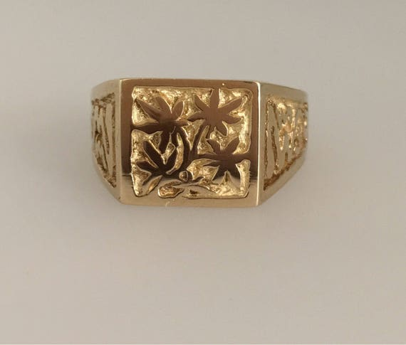 Yellow Gold Engraved 'Haze' Signet Ring. Original Design by Douglas Hughes - Handmade in Cornwall