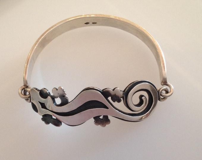 Gecko Bangle - Oxidised Silver - Handmade Douglas Hughes Design