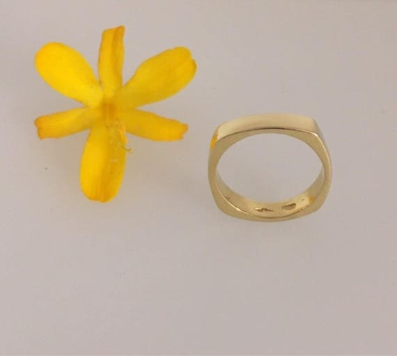 18ct Yellow Gold Square Ring - Handmade in Cornwall by Douglas Hughes