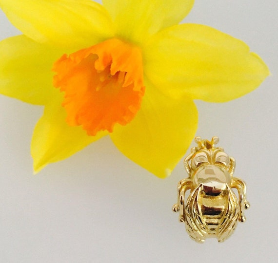 18ct Gold Cornish Bee Ring - Handmade Douglas Hughes Design
