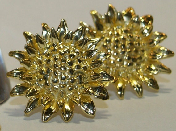 Sunflower Stud Earrings - Handmade Douglas Hughes Design