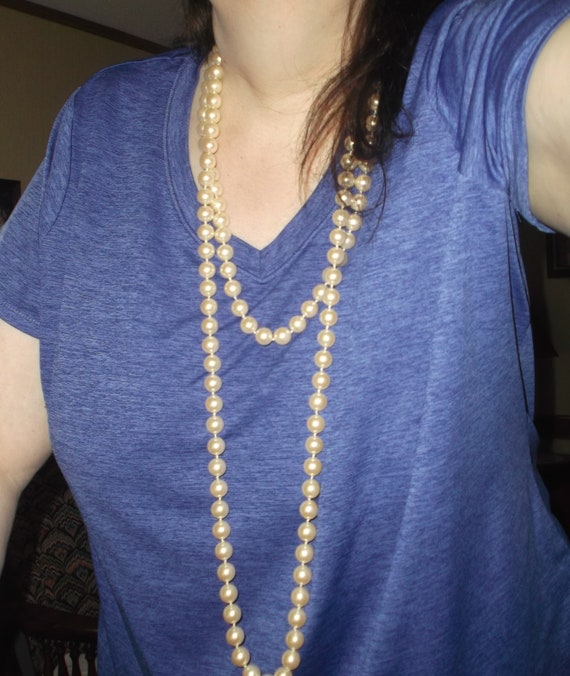 90 Inch Single Strand Blue Plastic Bead Chain Necklace