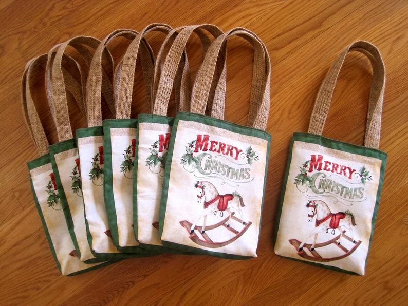 Berries Jute Burlap Children Girl Boy Gift Mini Tote Bags Vintage Toy Shop 100/% COTTON MERRY CHRISTMAS Rocking Horse Red Saddle Green Holly