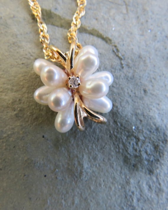 Vintage 14kt Gold Pearl and Diamond Necklace - image 3