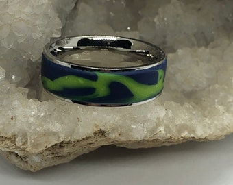 Surgical steel and marbled polymer clay ring (size 12 Green blue wave)