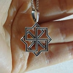 Molvinets. Ancient Slavonic protective symbol. 25mm silver pendant. Pagan amulet. Equilateral cross eight-pointed star left-facing swastika.