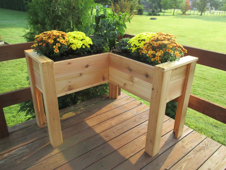 L-Shaped Cedar Elevated Planter Free Shipping US 48 image 0