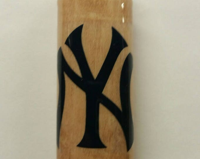 New York Yankees Wood Lighter Case Holder Sleeve Cover Baseball MLB Fits Bic Lighters
