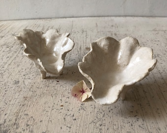 END OF LINE,  tiny shell shaped dishes with little feet, to hold jewellery