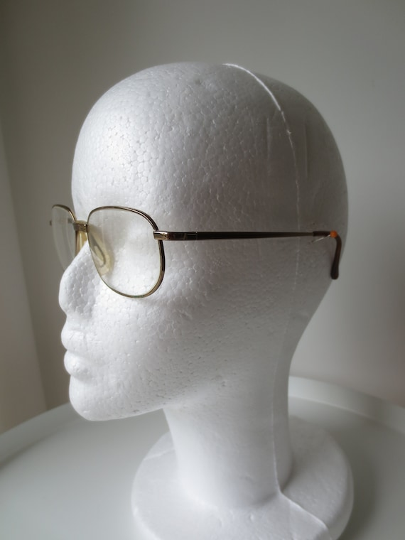 Vintage glasses, Italian eyeglasses, Golden metal frames, Eyewear, comfortable nose pads, prescription glasses, Rectangle shape,Design Italy