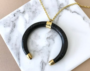 The Ellis - Carved horn necklace