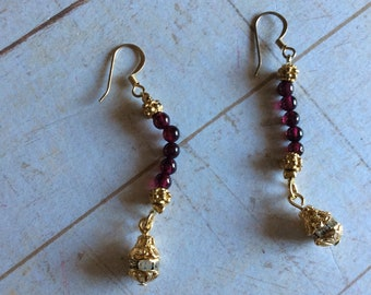 Red Garnet earrings made with gold and rhinestone