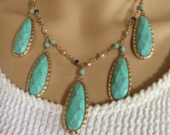 Turquoise necklace. Beach necklace. Summer necklace