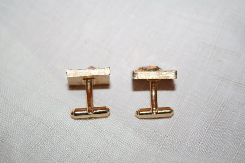 Gold Tone Cuff Links /& Pin Set with Stone
