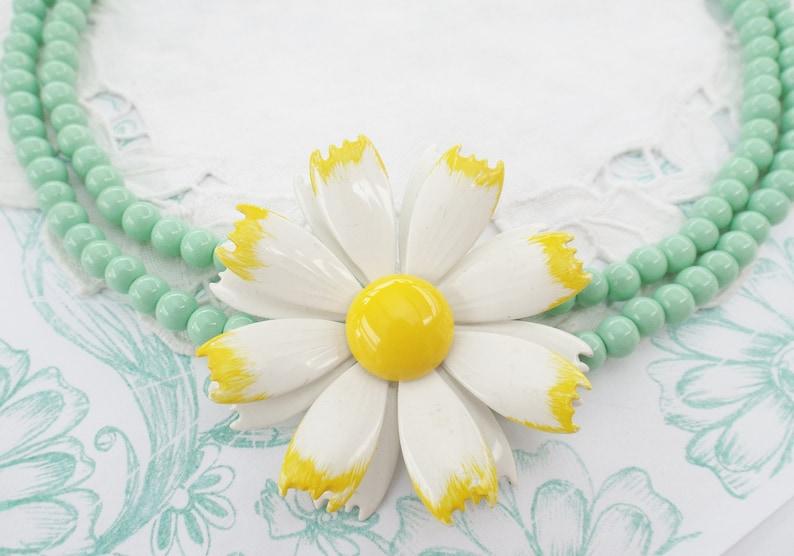 Pearl Necklace Vintage Dream enamel bloom mint Daisy