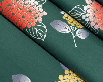 Green cotton yukata fabric with hydrangea flower pattern  - 53 inches (135 cm)