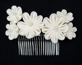 Large, cream white colored floral kanzashi tsumami hair comb - wedding bridal hair accessory