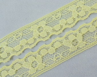 Vintage, yellow scalloped floral lace trim- by the yard