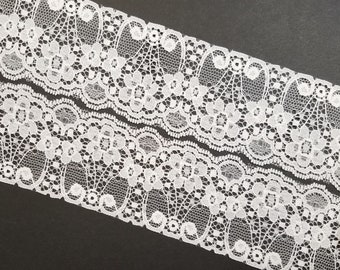 Vintage, floral scalloped, 2 1/2 inch, white lace trim- by the yard