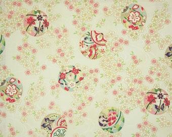 Quilt Gate Hyakka Ryoran Suzune cotton - Temari Balls and Sakura over off-white light cream
