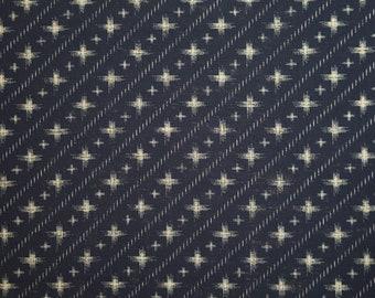 Sevenberry Japan cotton homespun fabric - diagonal cross hatch pattern over indigo blue