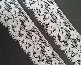 Vintage 1 inch wide white floral daisy lace trim- by the yard