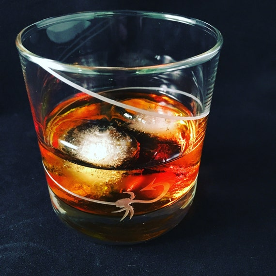 Set of Two 11oz Fly Fishing Flies Tumblers Whiskey Glasses