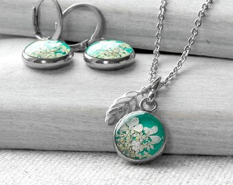 Tiny real flower necklace earrings Resin name jewelry Matching mother daughter gift Initial mint necklace set sisters Dainty necklace