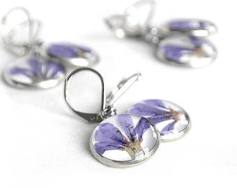 Purple earrings for birthday gift for her Flower earrings bachelorette party Chic earrings mother Violet earrings hypoallergenic earrings
