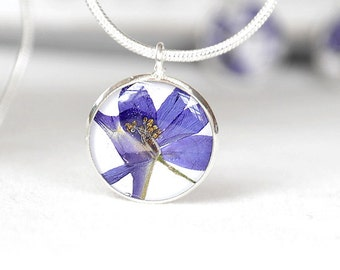 Blue wedding necklace for bridesmaid pressed flower jewelry Royal blue flower necklace Round necklace Romantic jewelry Bridal necklace wife