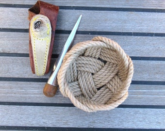 Natural Jute Rope Ring Catchall Bowl. 110 mm (4.5 inches) diameter. Small nautical knot basket.