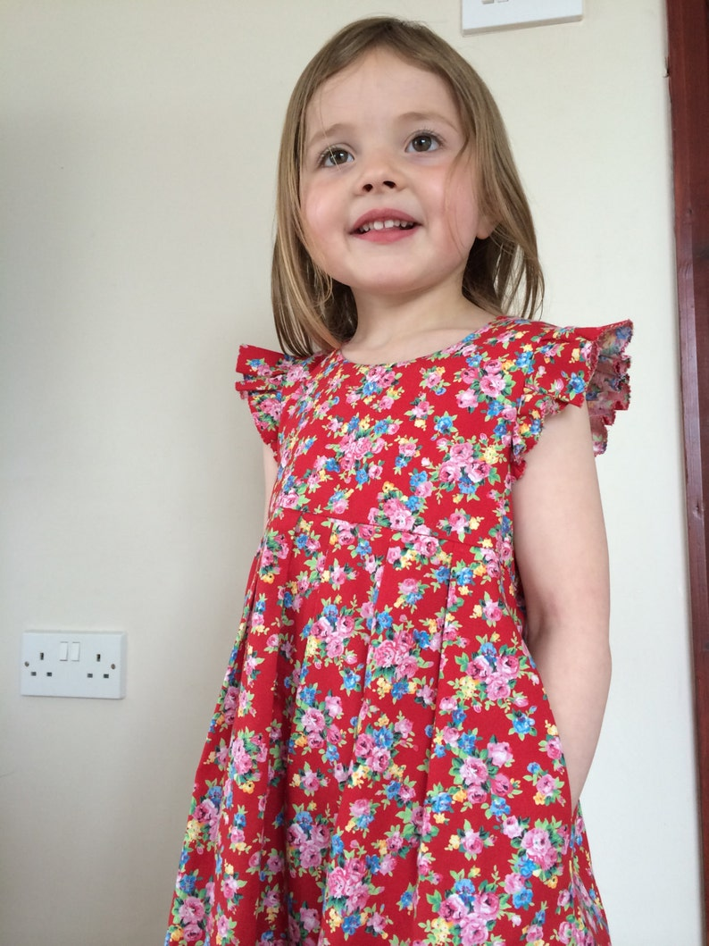 e077051a25e61f Girls vintage floral tea dress / summer dress / capped frill   Etsy