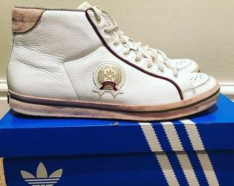 c004b381b62 Adidas Rod Laver Trophy hi top trainers sz 7 uk   41