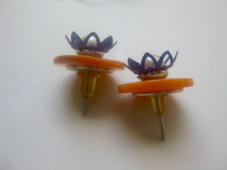 Mother of PearlFreshwater Pearl Stud Earrings