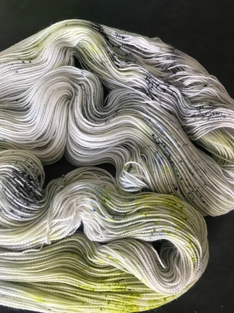 7525 Superwash Merino Nylon Fingering Sock Weight 2-ply  464 yds per 100g skein Lolly Blue Bright Green Black Speckled Yarn