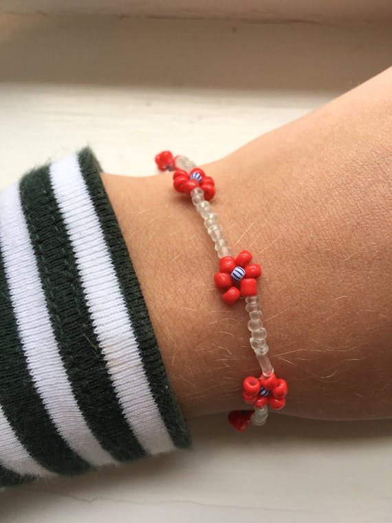 Daisy seed bead bracelet for women