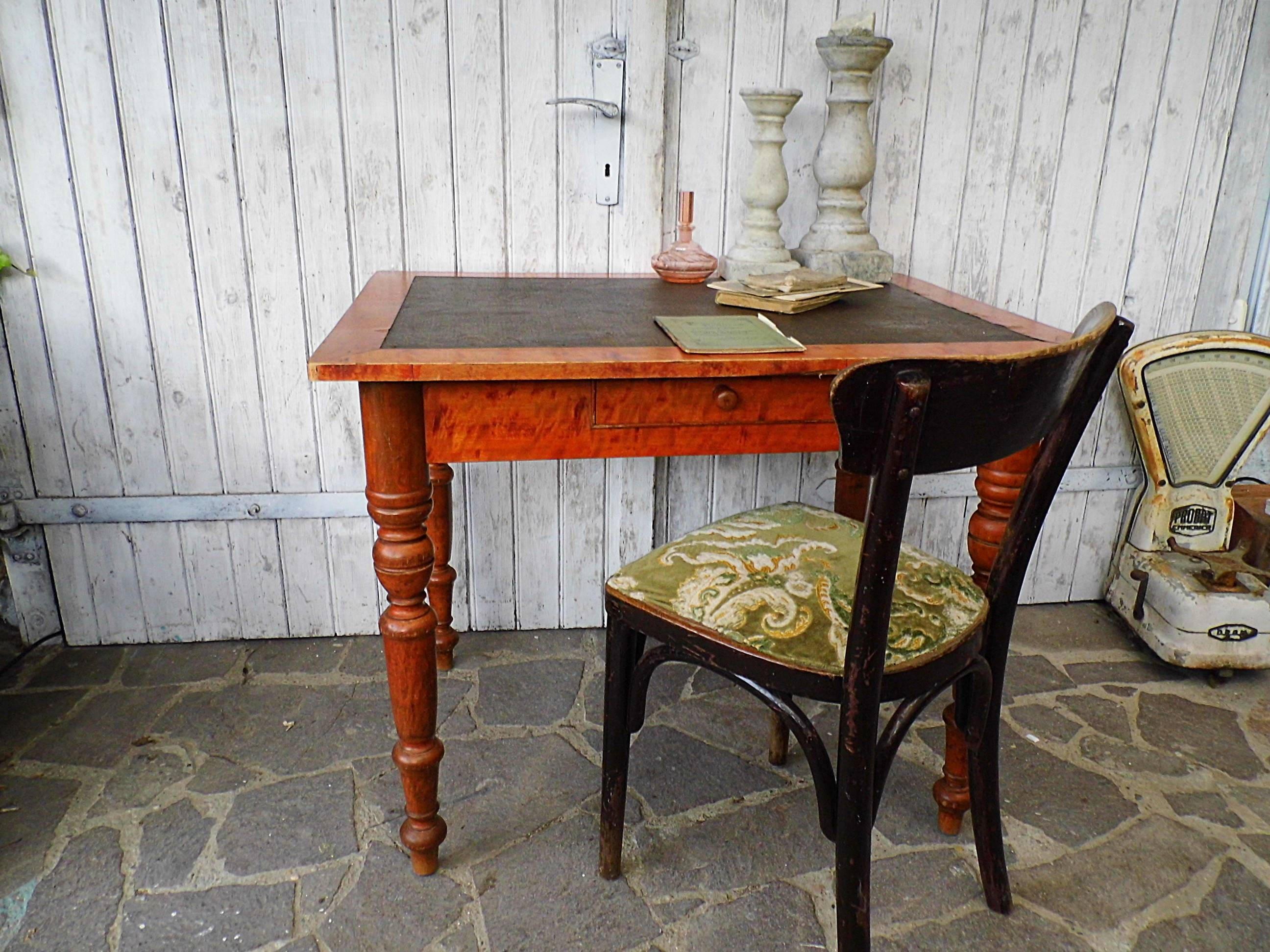 alter kleiner Tisch / Eßtisch / Küchentisch / Schreibtisch um | Etsy
