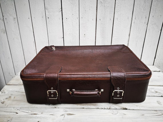 Vintage: old german luggage suitcase from the 70s
