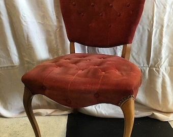 Vintage Darling Raspberry Red Velvet Tufted Boudoir Chair Heart Shaped Back  Vintage Mid Century Side Chair