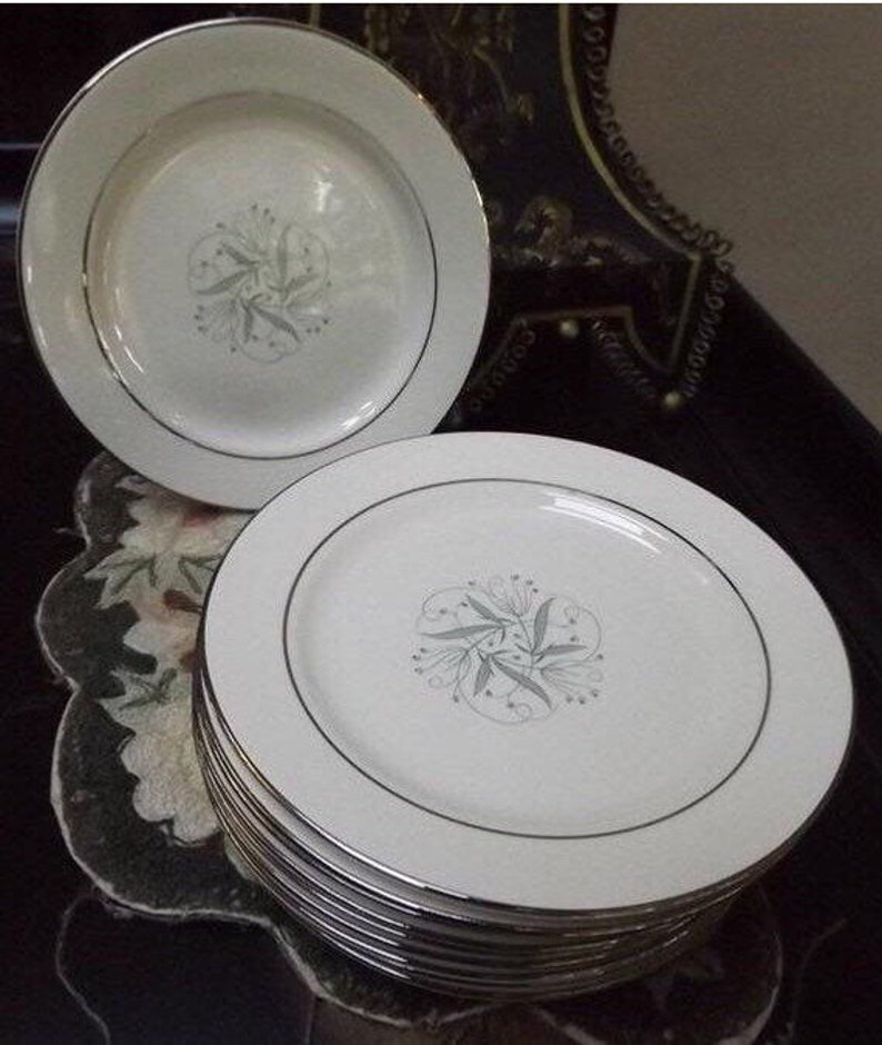 SUMMER SALE 1950 Homer Laughlin China Celeste Dinner Plate Mid Century Vintage Dinnerware Aqua Bead Flowers /& Platinum Trim